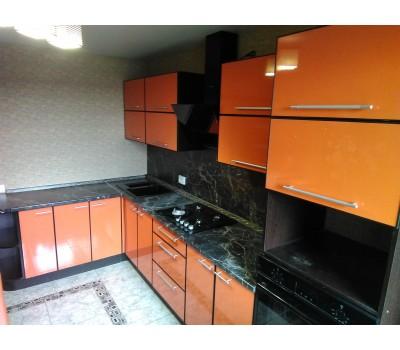 Кухня с фасадами МДФ Плёнка, размер 1875х3250 мм.