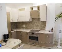 Кухня на заказ с фасадами МДФ Эмаль 3037