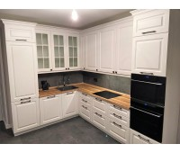 Кухня с фасадами МДФ Эмаль , размер 2300*3040 мм.